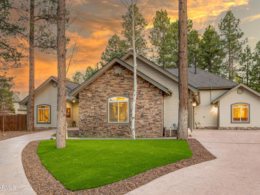 2113 W UNIVERSITY Avenue, Flagstaff, AZ, 86001,