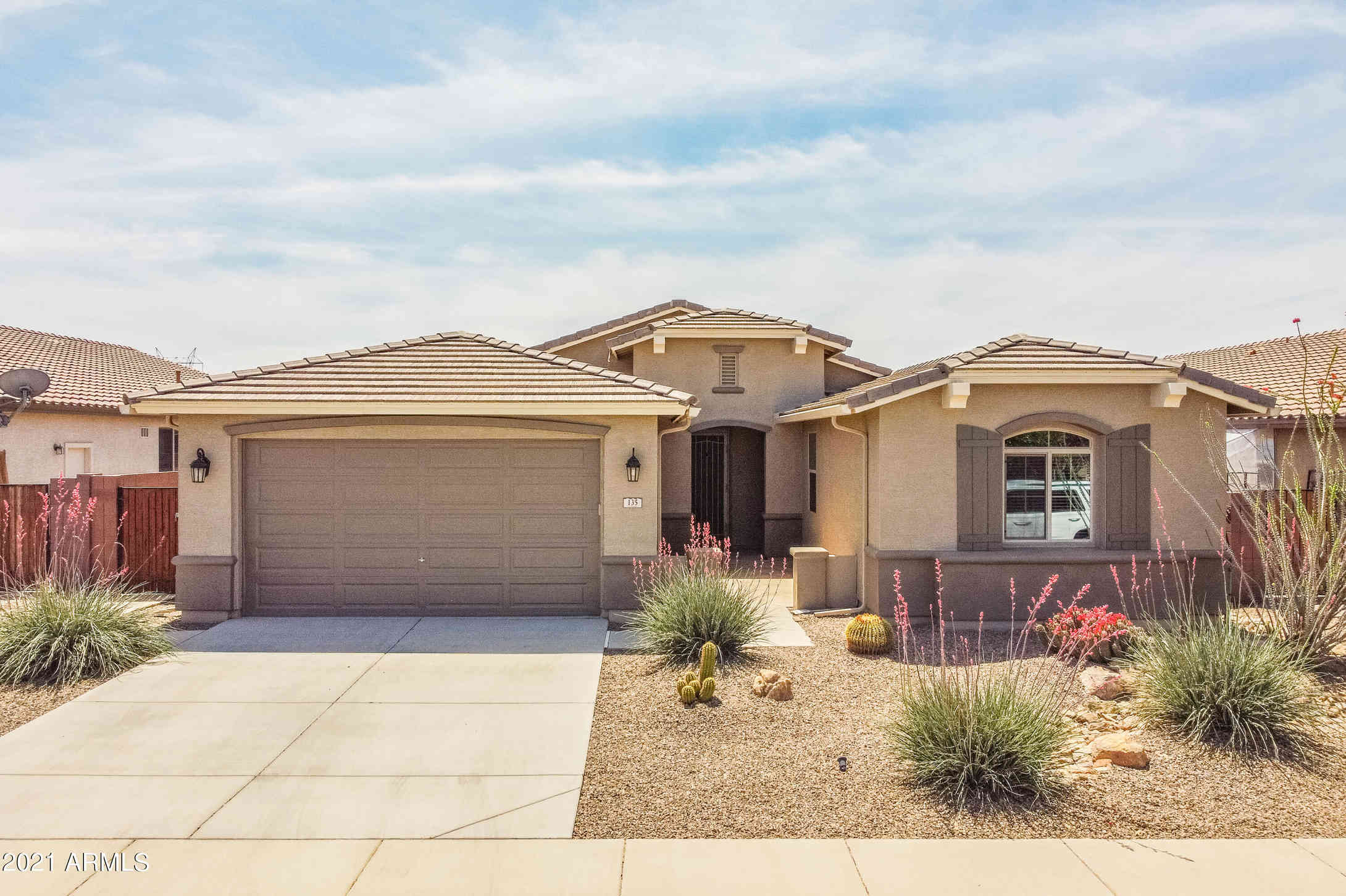 135 W YELLOW WOOD Avenue, San Tan Valley, AZ, 85140,