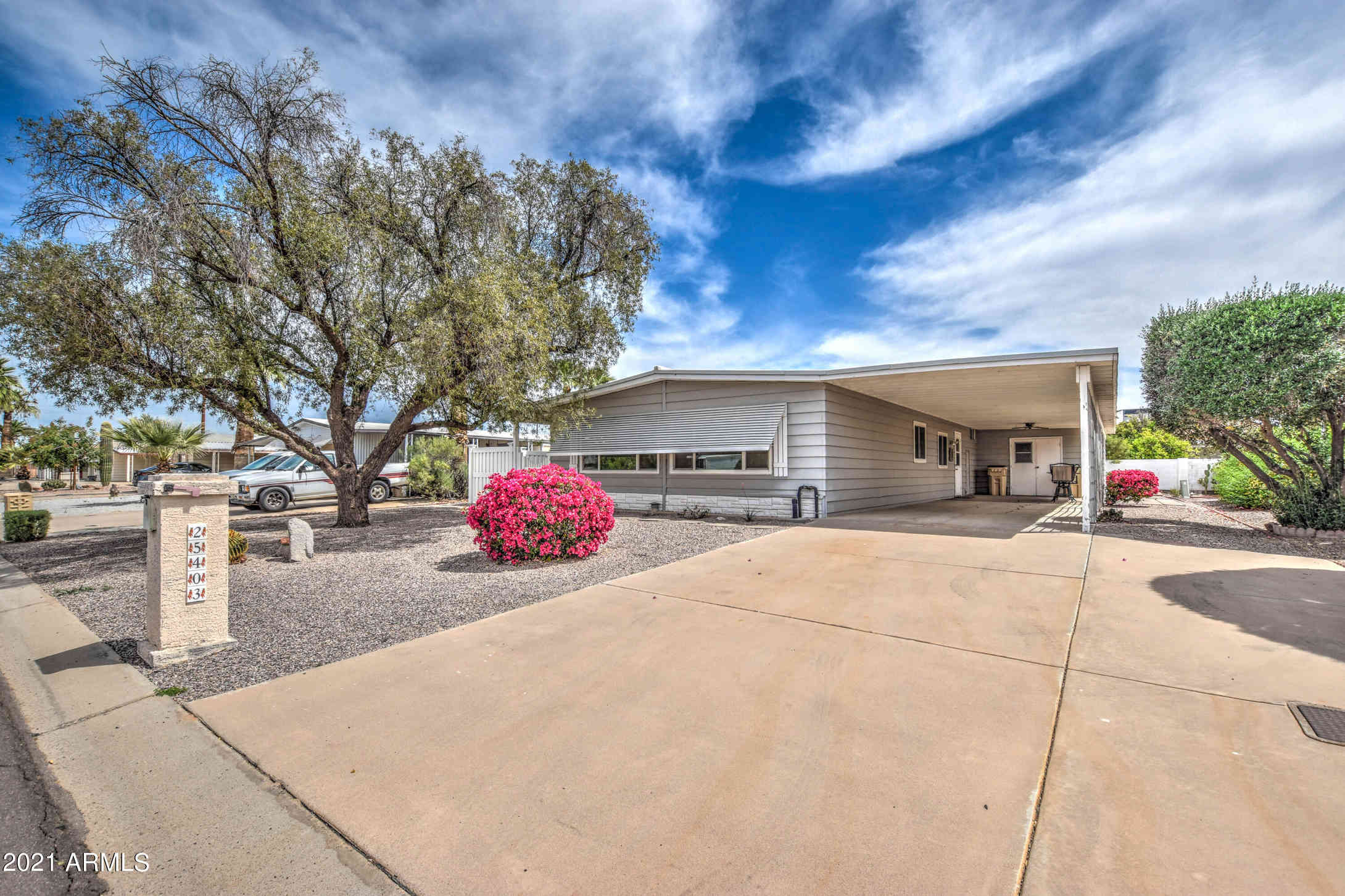 25403 S WYOMING Avenue, Sun Lakes, AZ, 85248,