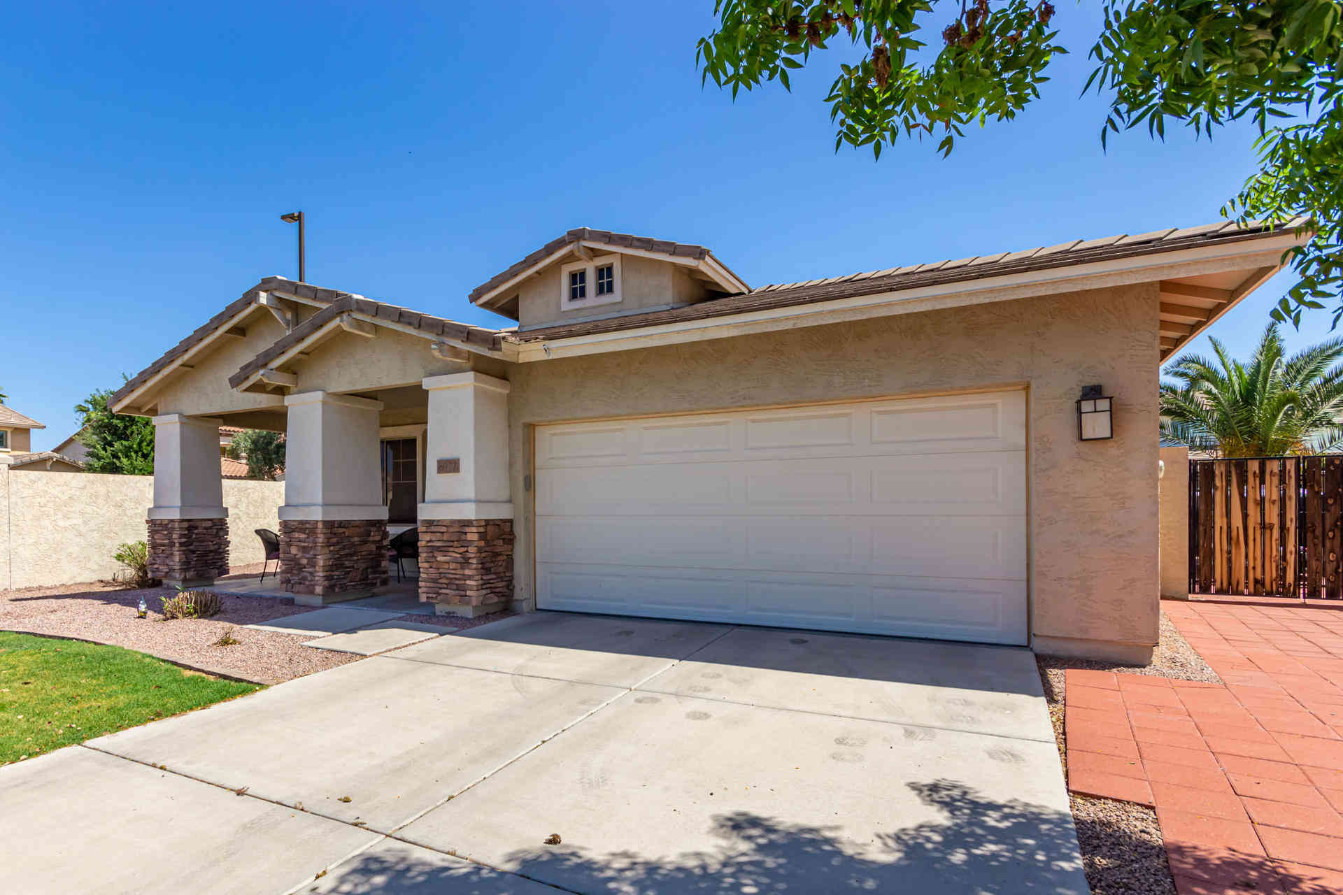 6977 S STADIUM Court, Gilbert, AZ, 85298,