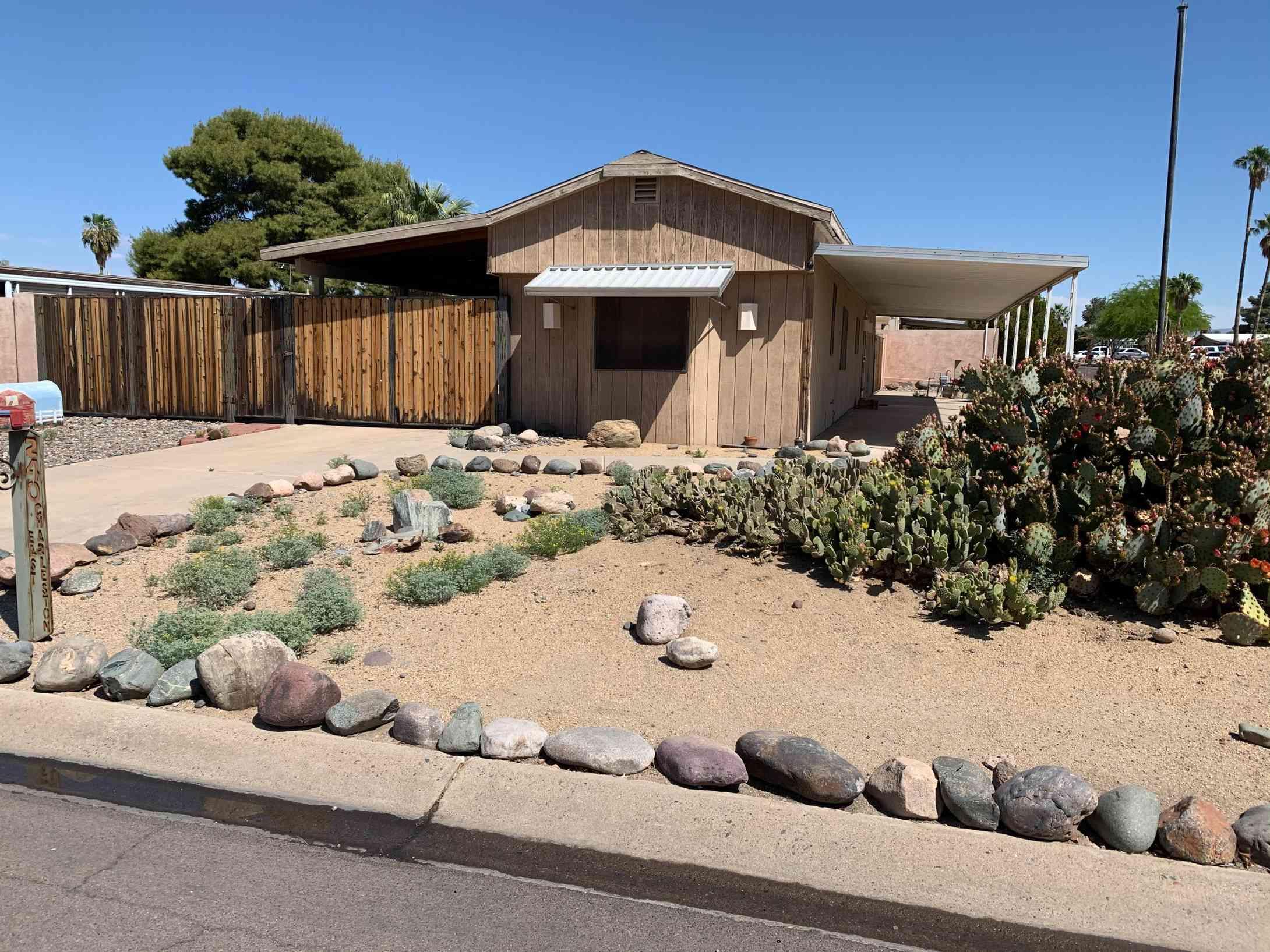 240 E CHARLESTON Avenue, Phoenix, AZ, 85022,