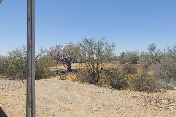 4414 N DESERT VIEW Drive