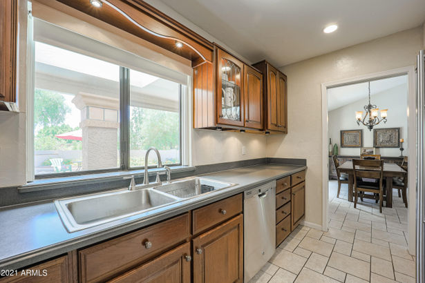 10834 N 9TH Place