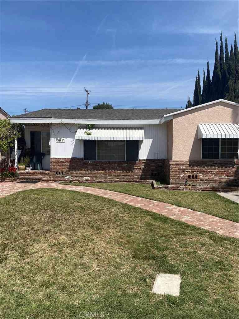 9093 Lyndora Street, Downey, CA, 90242,
