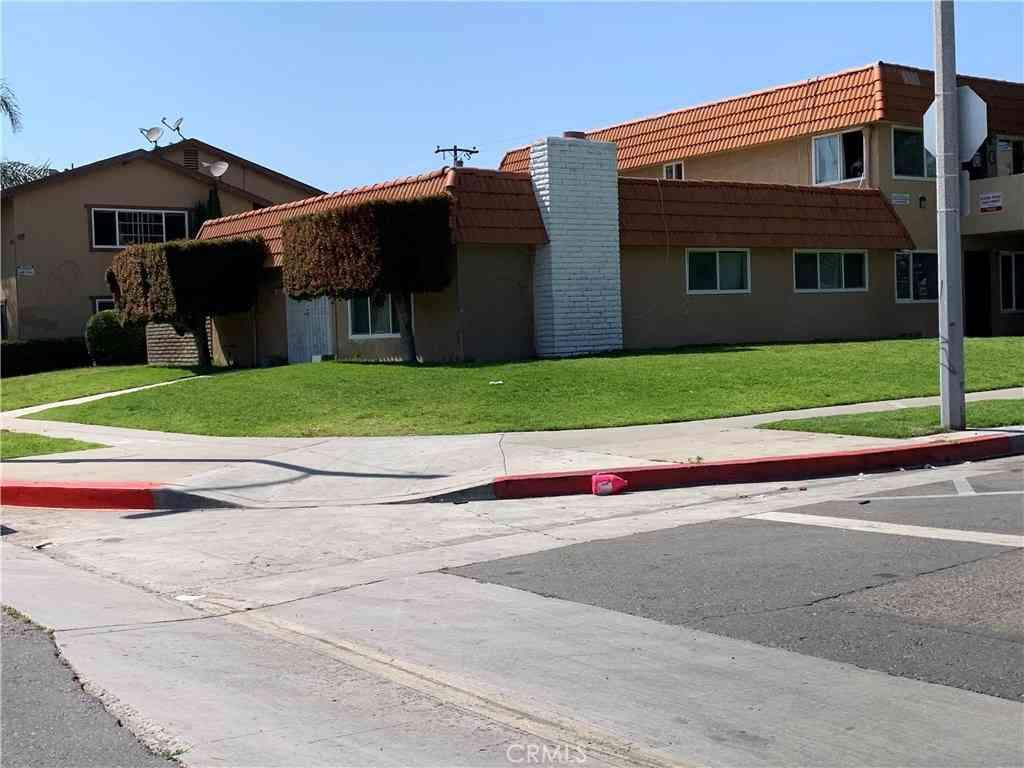 207 E Leatrice Lane, Anaheim, CA, 92802,