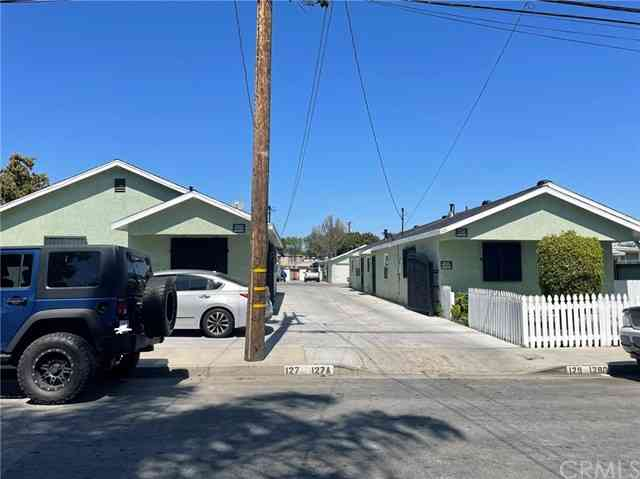 127 East 49th Street, Long Beach, CA, 90805,