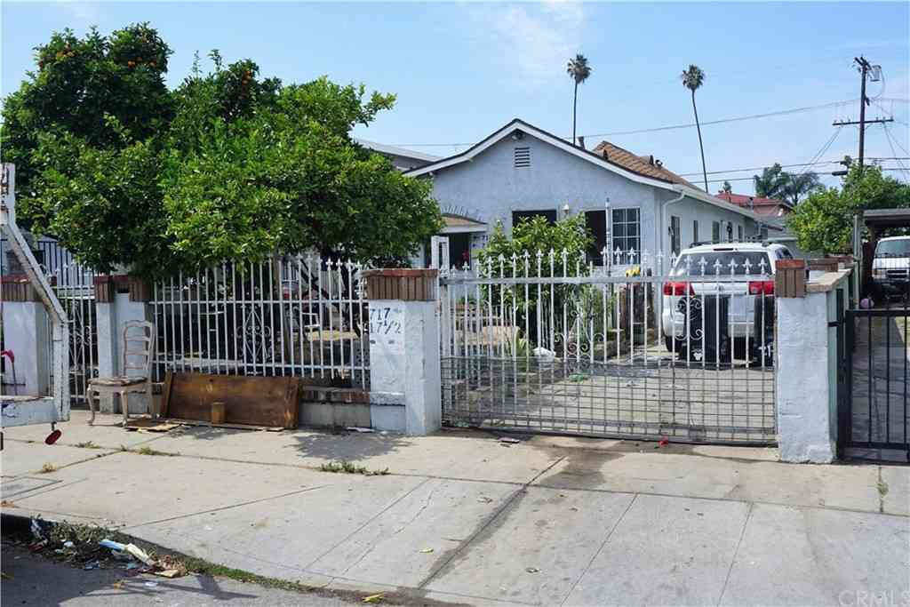 717 W 83rd Street, Los Angeles, CA, 90044,