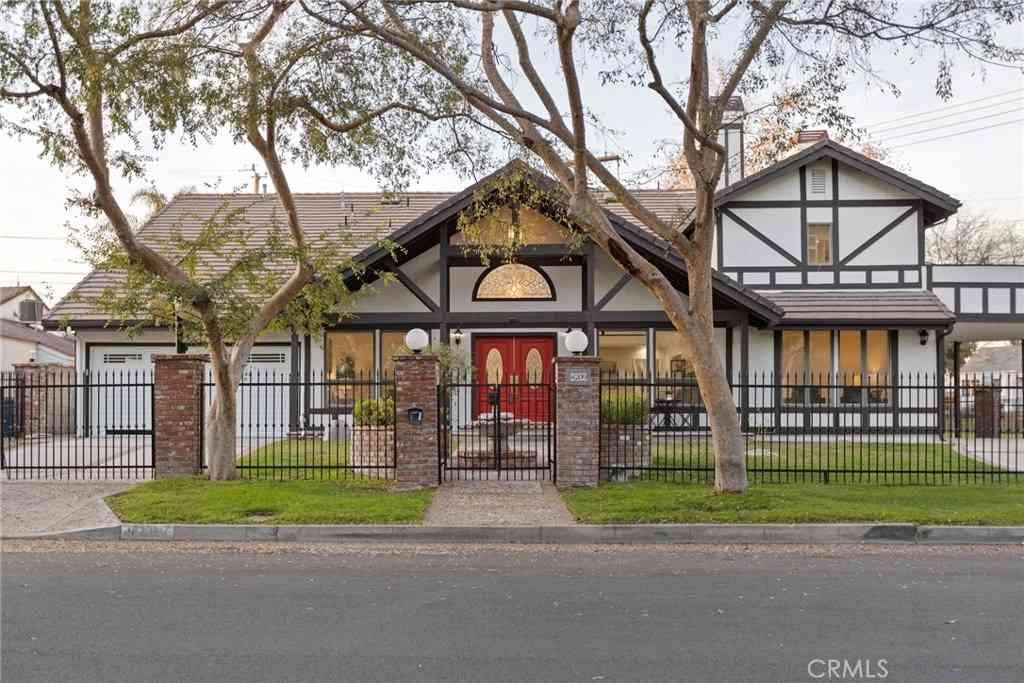 4209 W Jacaranda Avenue, Burbank, CA, 91505,