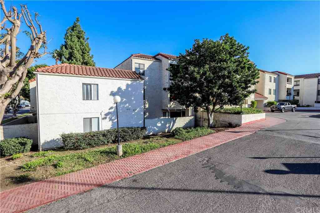 600 W 3rd #A205, Santa Ana, CA, 90701,