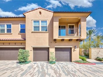201 El Paseo, Lake Forest, CA, 92630,