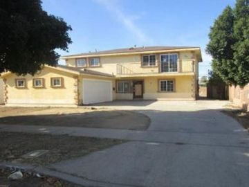 8359 Buffalo Avenue, Panorama City, CA, 91402,