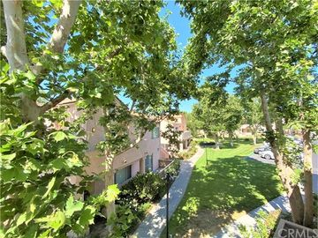 24412 Valle Del Oro #201, Newhall, CA, 91321,