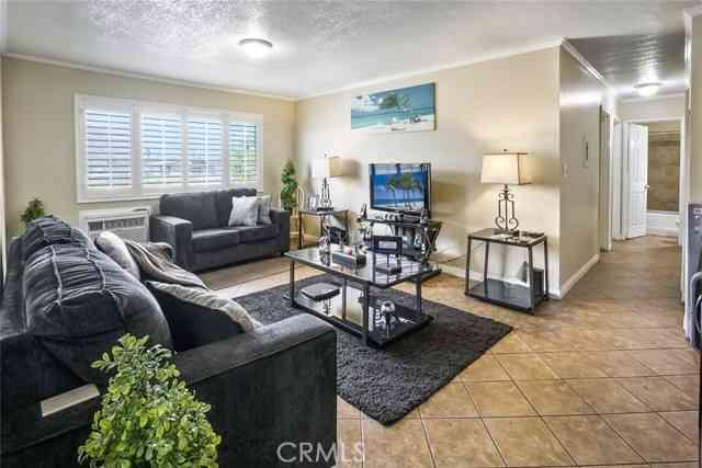 3000 Vineland Avenue #16, Baldwin Park, CA, 91706,