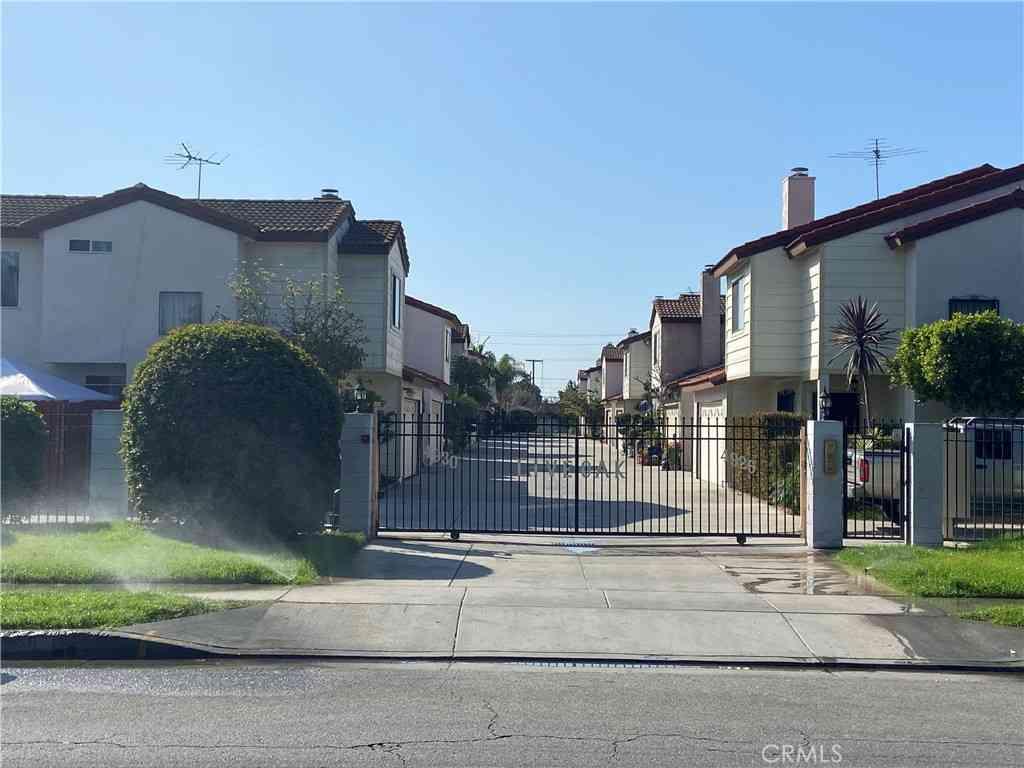4930 Live Oak Street #D, Cudahy, CA, 90201,