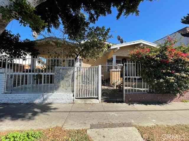 6812 Compton Avenue, Los Angeles, CA, 90001,