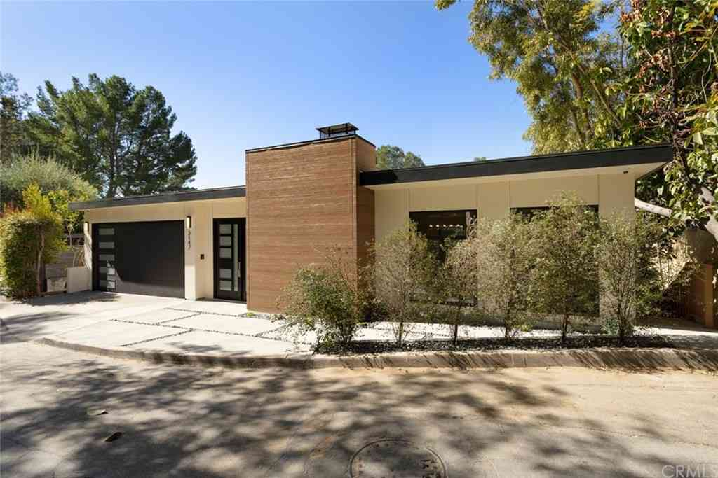 3147 Hollyridge Drive, Los Angeles, CA, 90068,