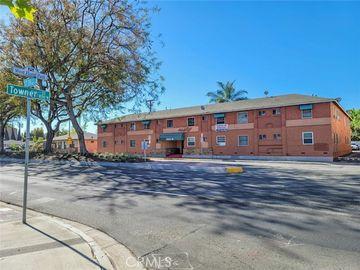 1060 W 17th ST, Santa Ana, CA, 92706,