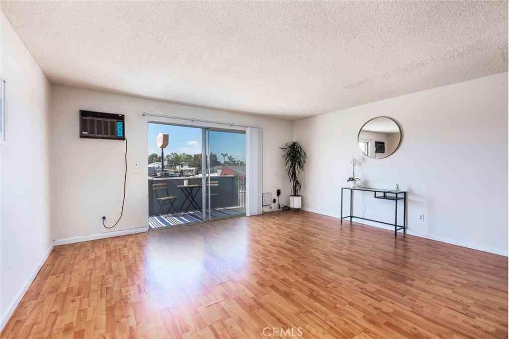 5585 E Pacific Coast #203, Long Beach, CA, 90804,