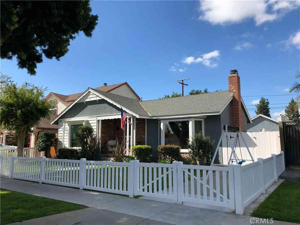 3463 Nipomo Avenue, Long Beach, CA, 90808,