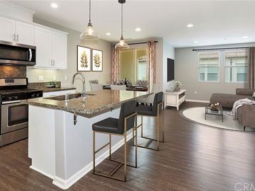 1010 El Paseo, Lake Forest, CA, 92610,