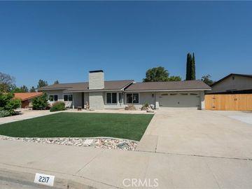 2217 North Villa Maria Road, Claremont, CA, 91711,