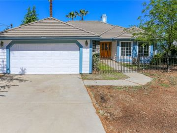 1040 2nd Place, Calimesa, CA, 92320,