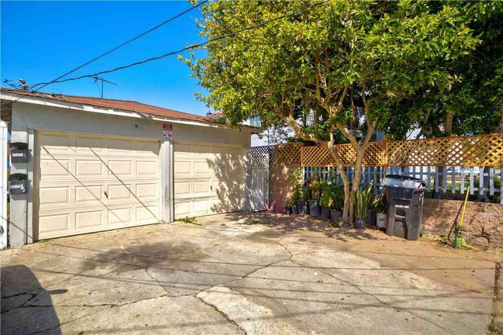 11305 Burin Avenue, Hawthorne, CA, 90304,