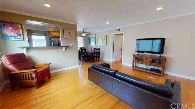 100 Esperanza Avenue #7, Long Beach, CA, 90802,