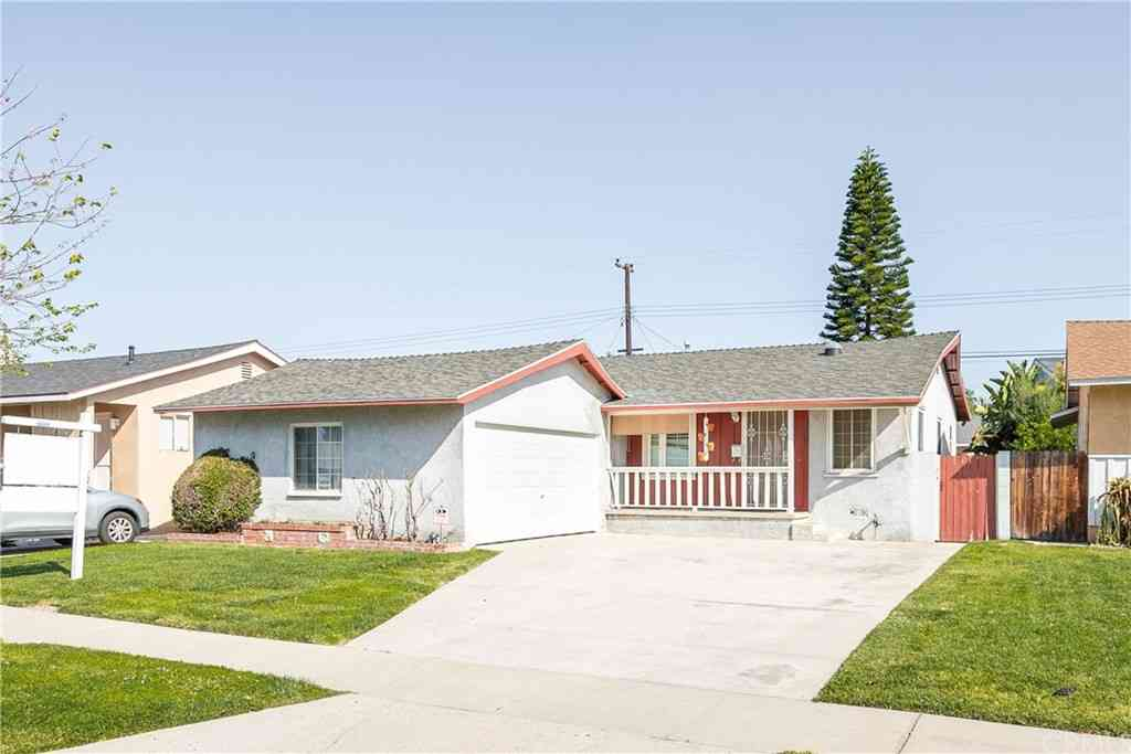 11503 215th Street, Lakewood, CA, 90715,