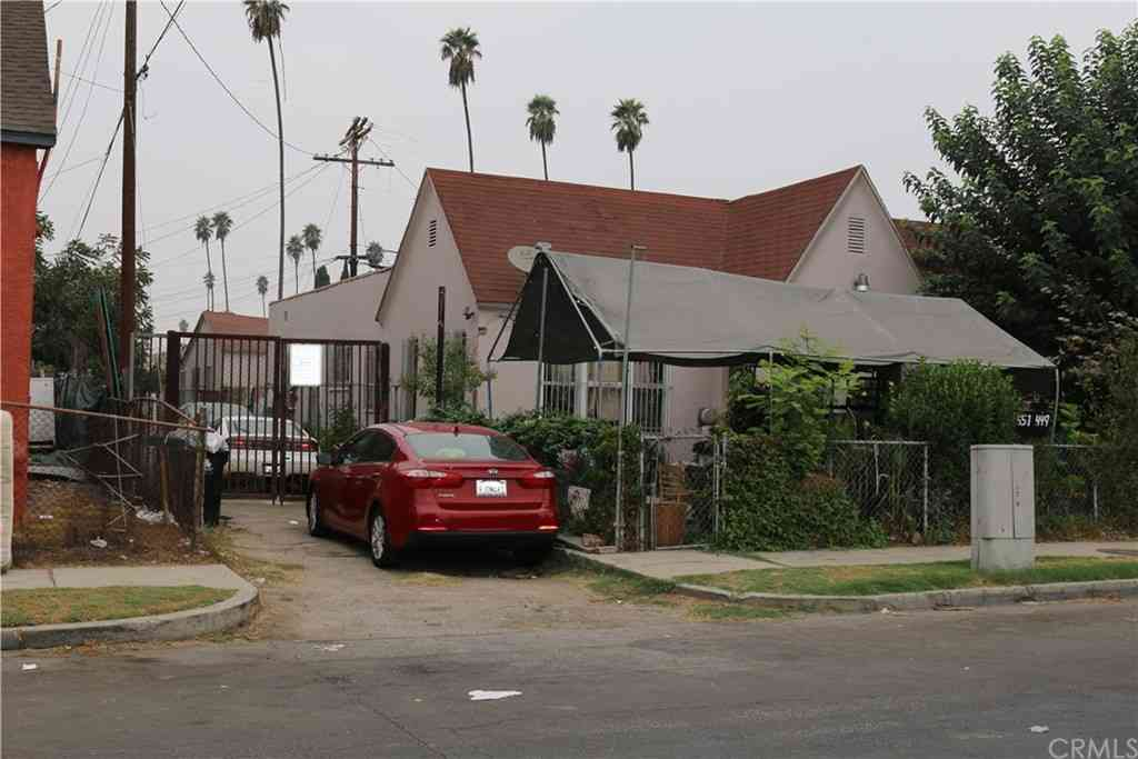447 W 69th Street, Los Angeles, CA, 90003,
