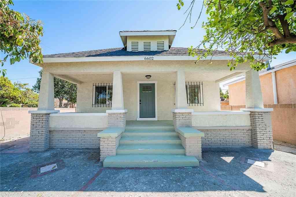 6602 Parmelee Avenue, Los Angeles, CA, 90001,
