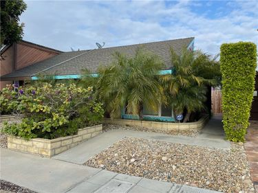 1906 Alsuna Lane, Huntington Beach, CA, 92648,