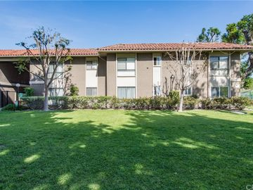 611 S La Veta Park Circle #124, Orange, CA, 92868,