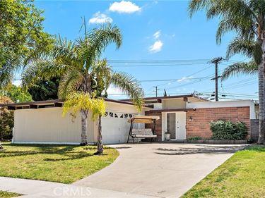 17462 Madera Lane, Huntington Beach, CA, 92647,