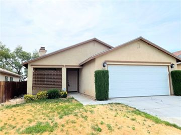 13417 Merry Oaks Street, Victorville, CA, 92392,