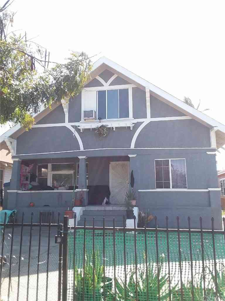 228 W 47th Place, Los Angeles, CA, 90037,