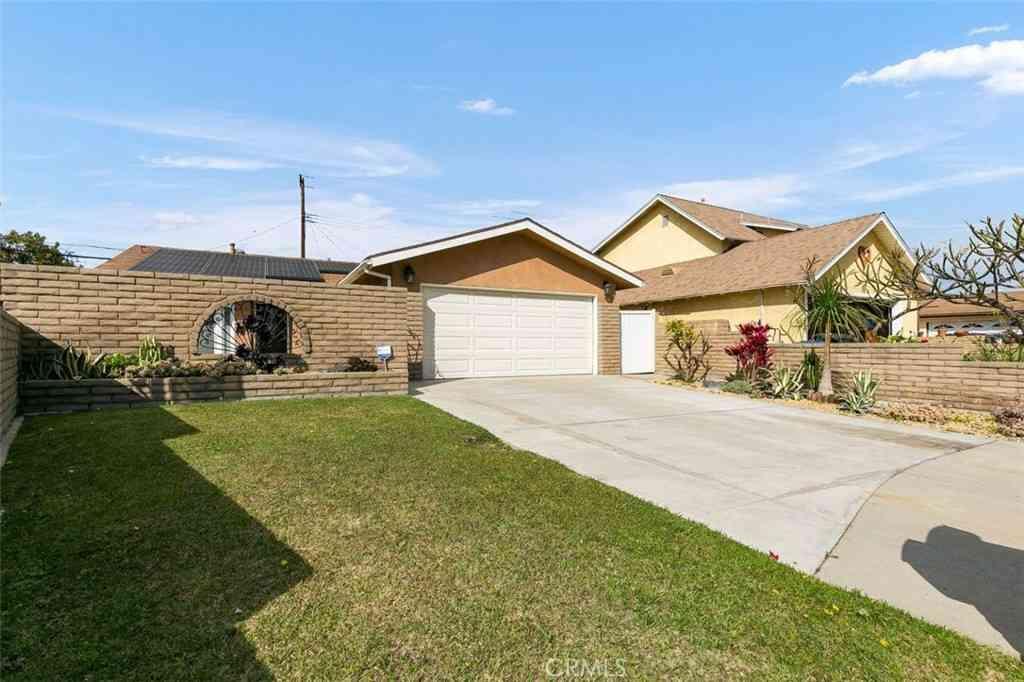 11405 Chadwell Street, Lakewood, CA, 90715,