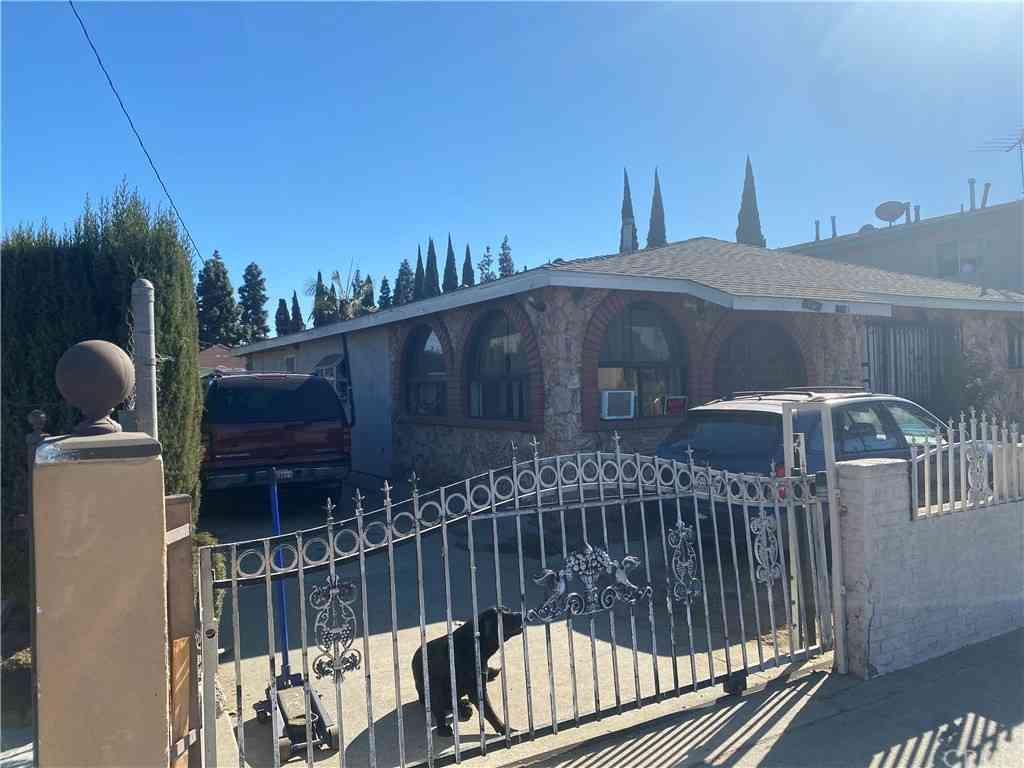 7236 Toler Avenue, Bell Gardens, CA, 90201,