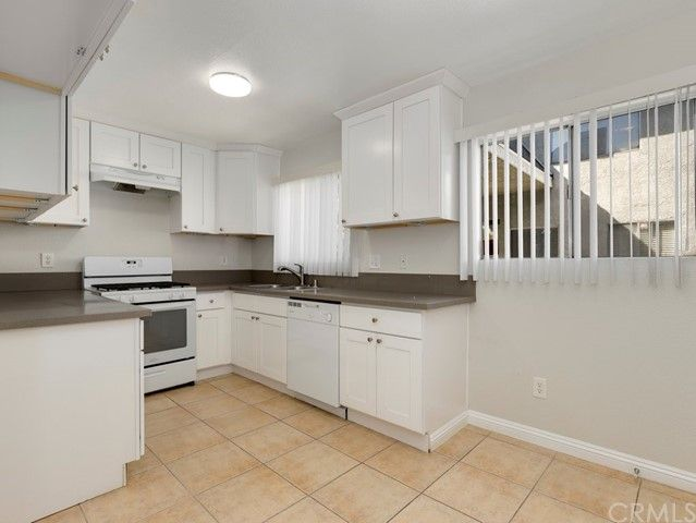 9034 Willis Avenue #17 Panorama City, CA, 91402