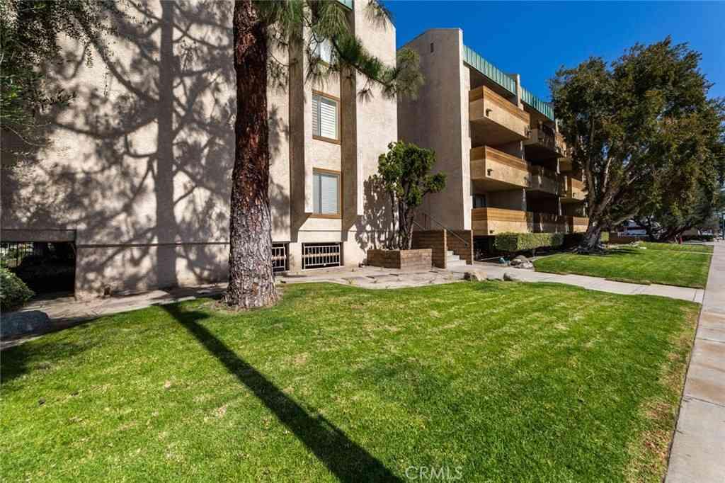 12141 Centralia Street #310, Lakewood, CA, 90715,