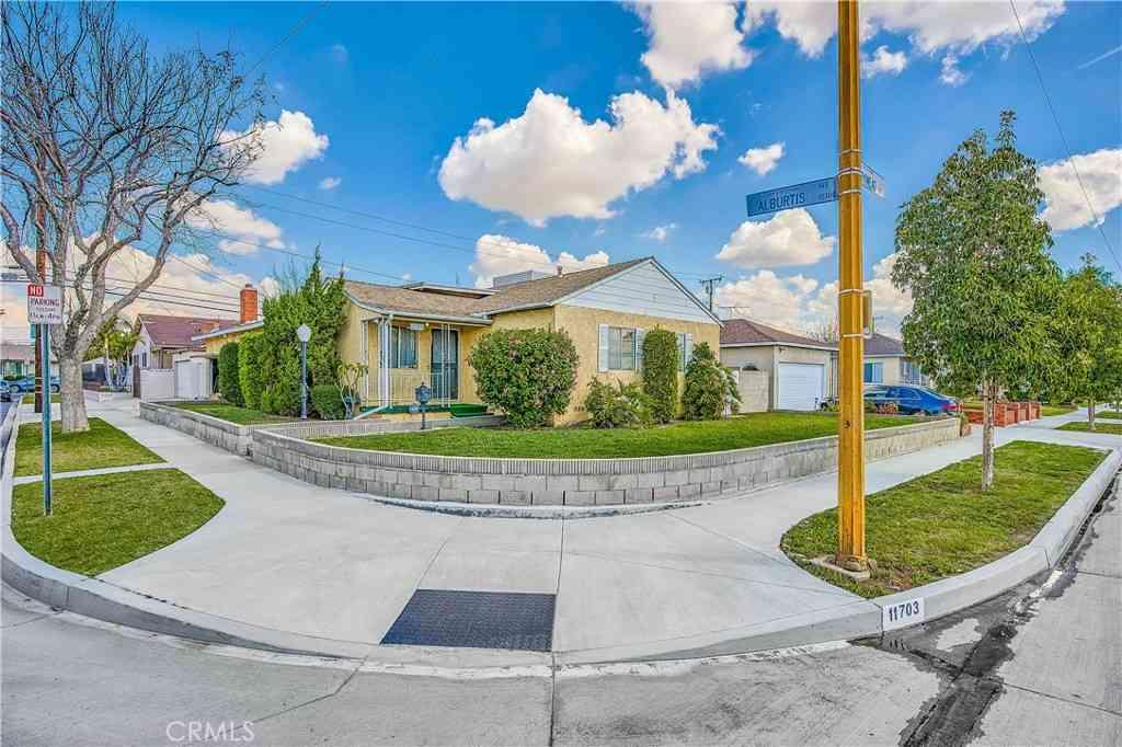 11703 Parkmead Street, Santa Fe Springs, CA, 90670,