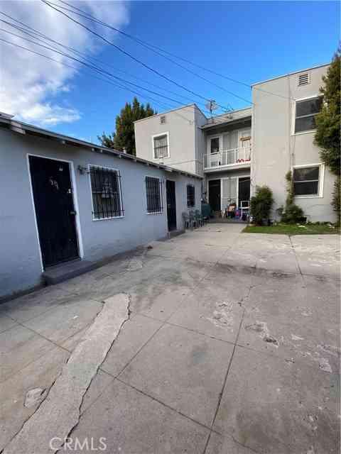 324 W 50th Street, Los Angeles, CA, 90037,