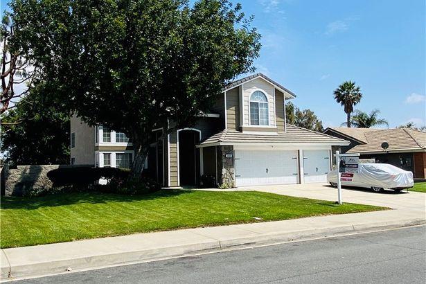 3805 N Sweet Leaf Avenue