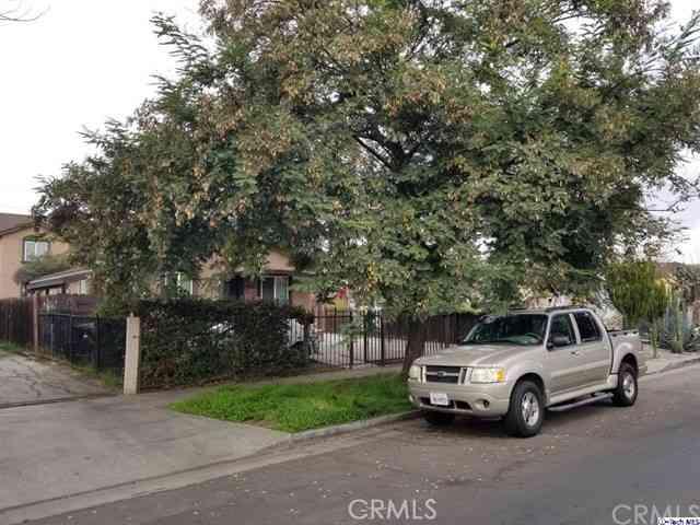 8931 Orchard Avenue, Los Angeles, CA, 90044,