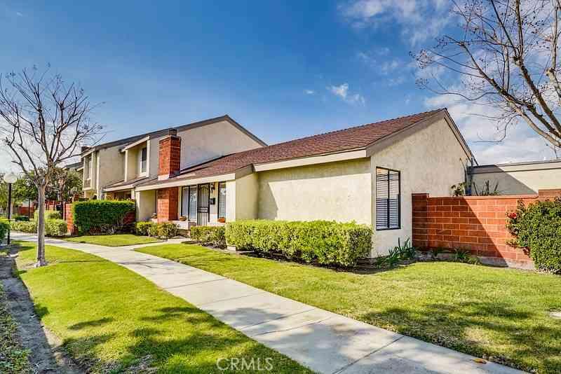 819 W Orangewood Avenue, Anaheim, CA, 92802,