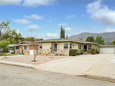 849 West Foothill Boulevard, Glendora, CA, 91741,