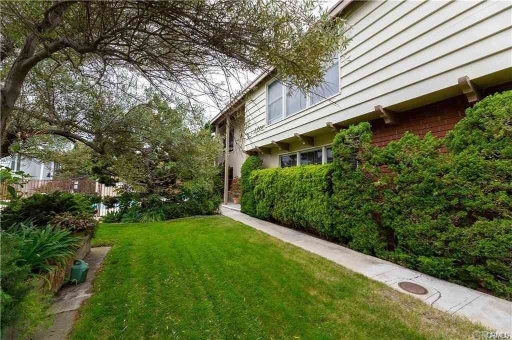 1534 Grand #2 Avenue, Long Beach, CA, 90804,