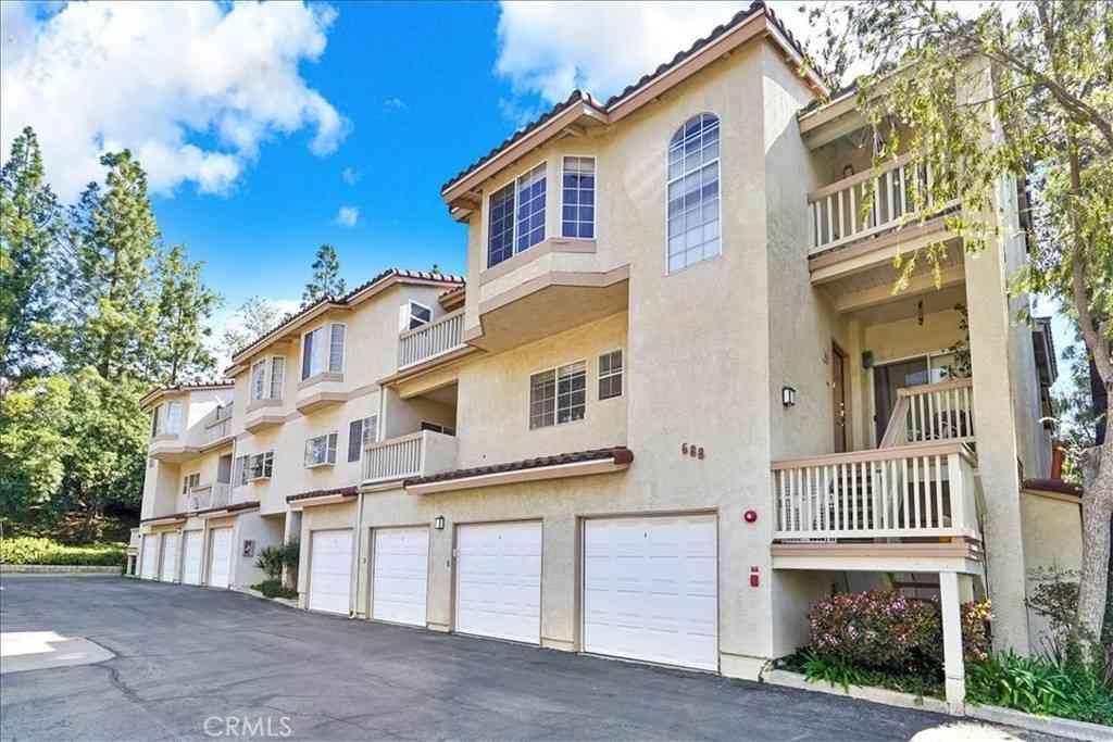 688 Indian Oak Lane #103, Oak Park, CA, 91377,