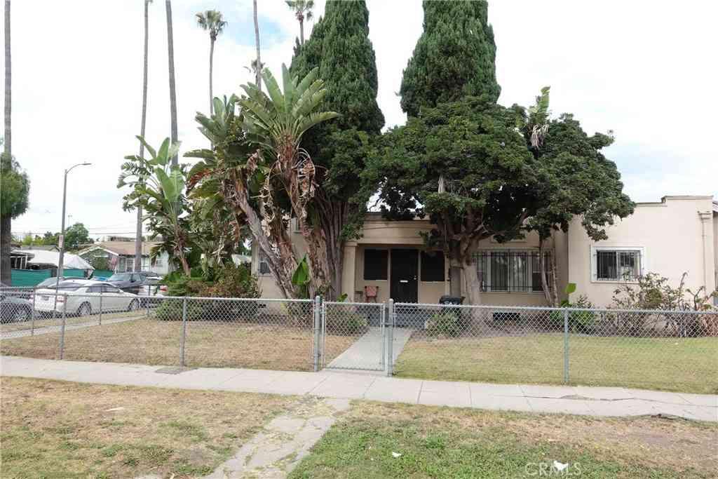 5611 Cimarron Street, Los Angeles, CA, 90062,