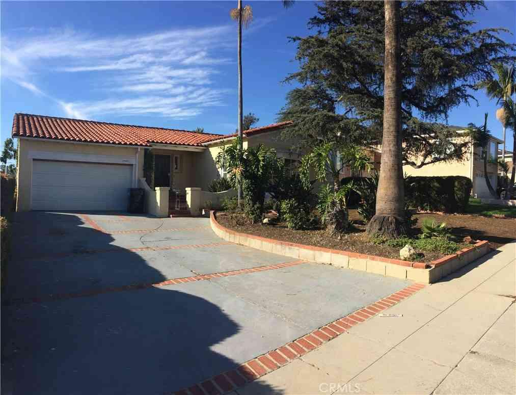5447 Valley Ridge Avenue, Los Angeles, CA, 90043,